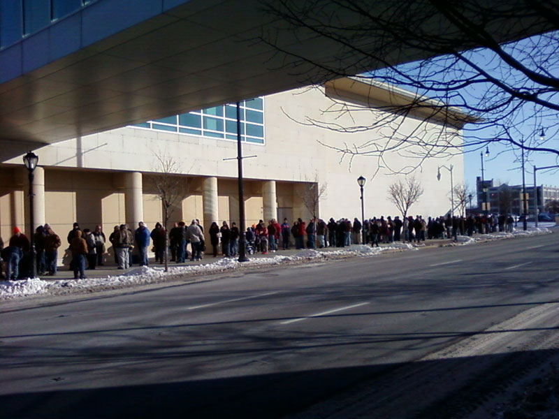 Line for 2010 Lincoln Cent Launch Ceremony
