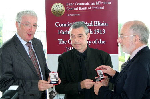Chairman John Green, Sculptor Rory Breslin and Governor Patrick Honohan