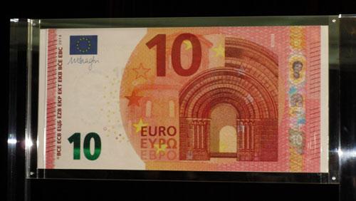 €10-obverse-photo