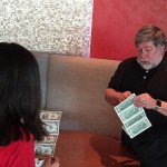 Steve Wozniak Gives Student Interviewer Some of His Famous 2 Dollar Bills