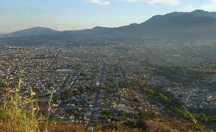 800px-Cerro_de_la_cruz CC Eduardo LopezSMALL