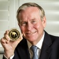 2. The Premier of Western Australia, the Honourable Colin Barnett MLA with The Perth Mint's KimberlTINY