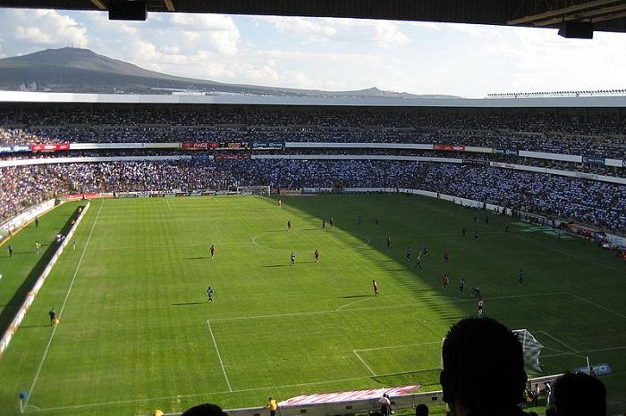 800px-Estadio_la_Corregidora PD Gabriel MonarcaSMALL